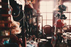 散らかっている汚い部屋の画像