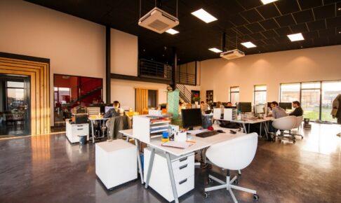 外国のオフィスの画像
